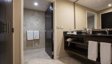Salle de bains Chambre Jr Suite Hôtel Urban Aeropuerto Ciudad de México Ciudad de México